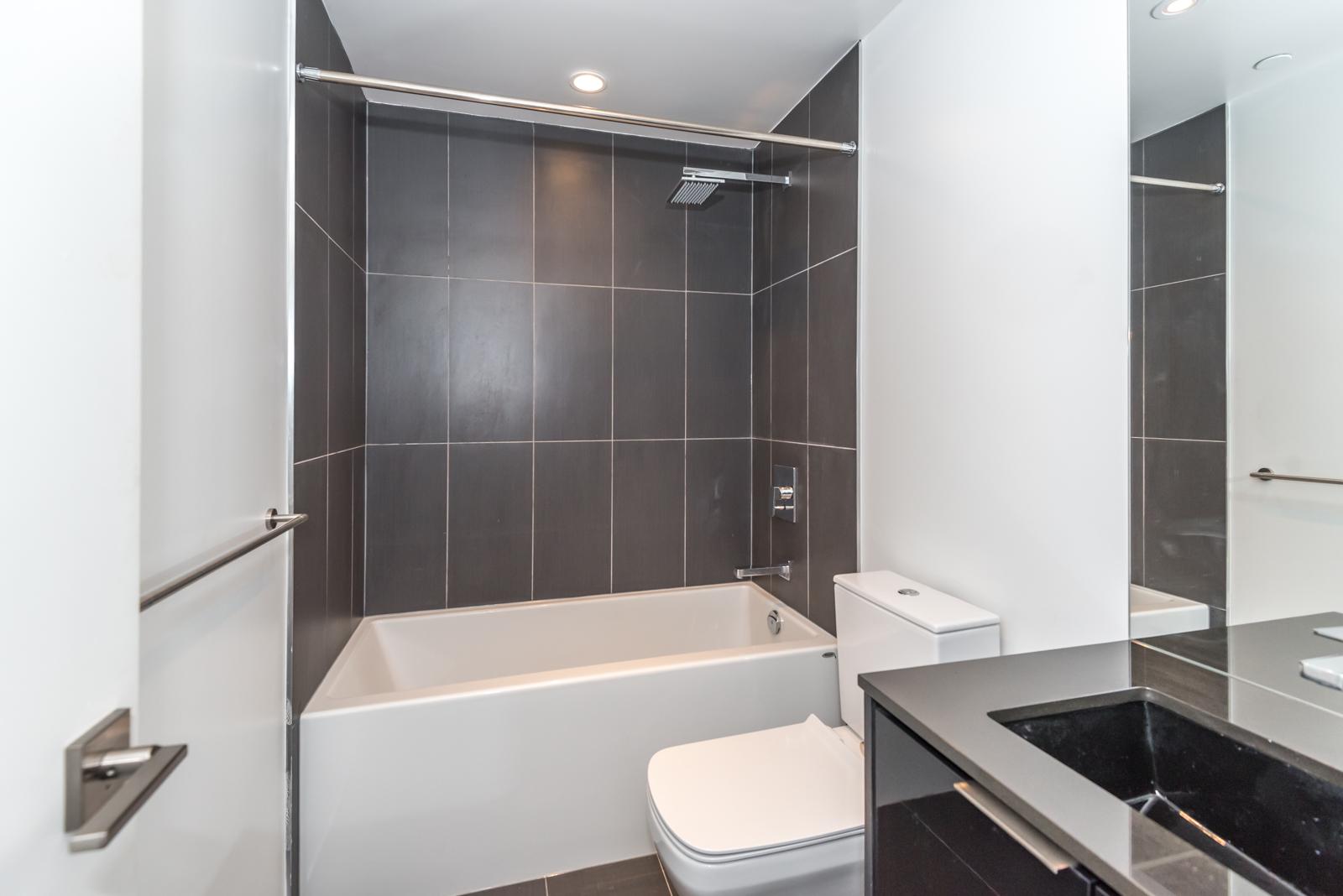 Photo of 70 Temperance Street's bathroom