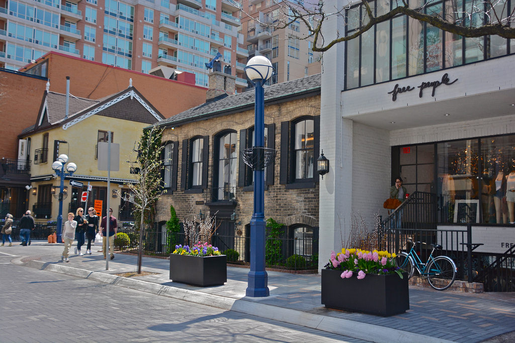 Photo of Yorkville streets.