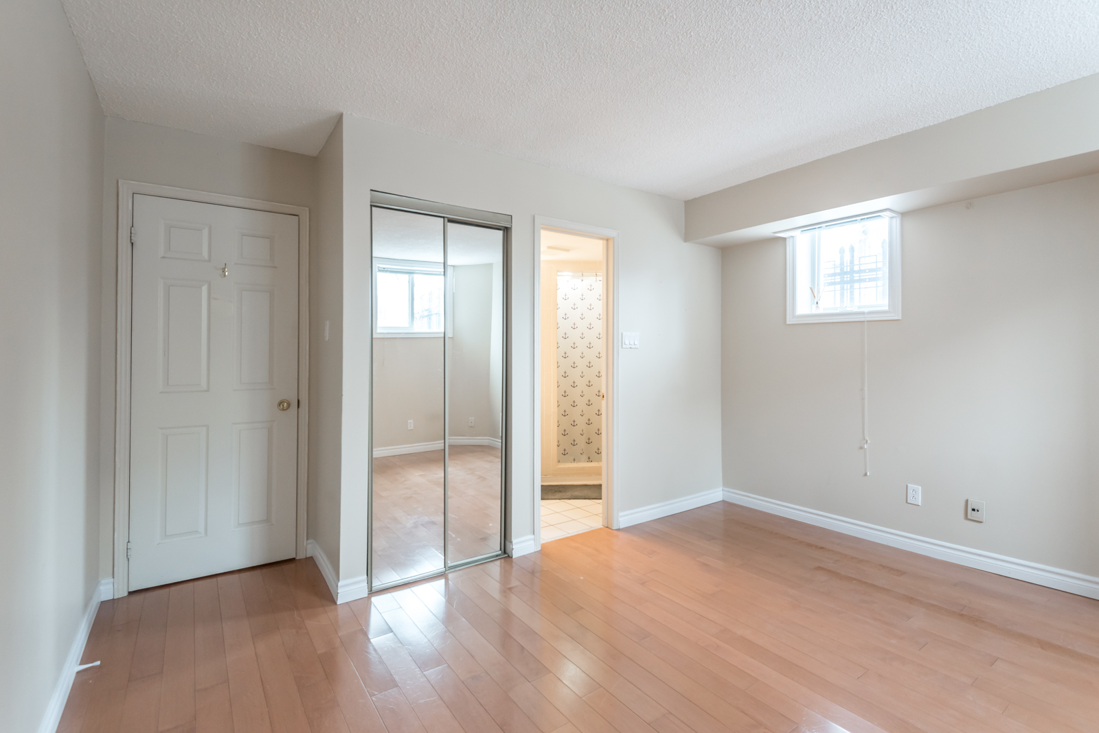 In addition to storage, the closet improves illumination by reflecting sunlight of its mirror doors.