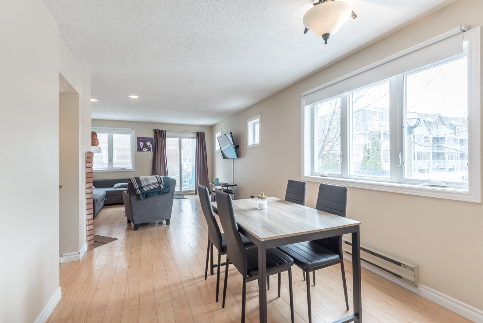 At 1280 sq. ft, 32D Shank Street is truly spacious.
