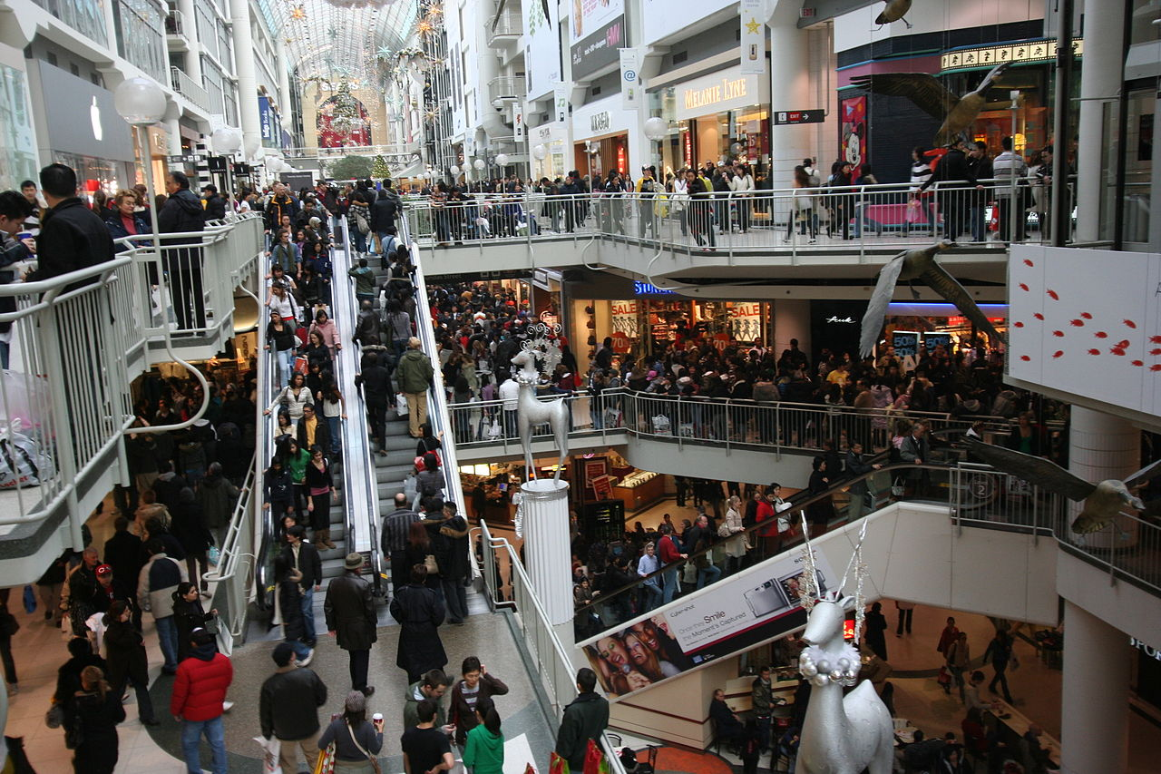 The Eaton Centre can get a little busy (Image Credit: Skeezix1000, Wikimedia)