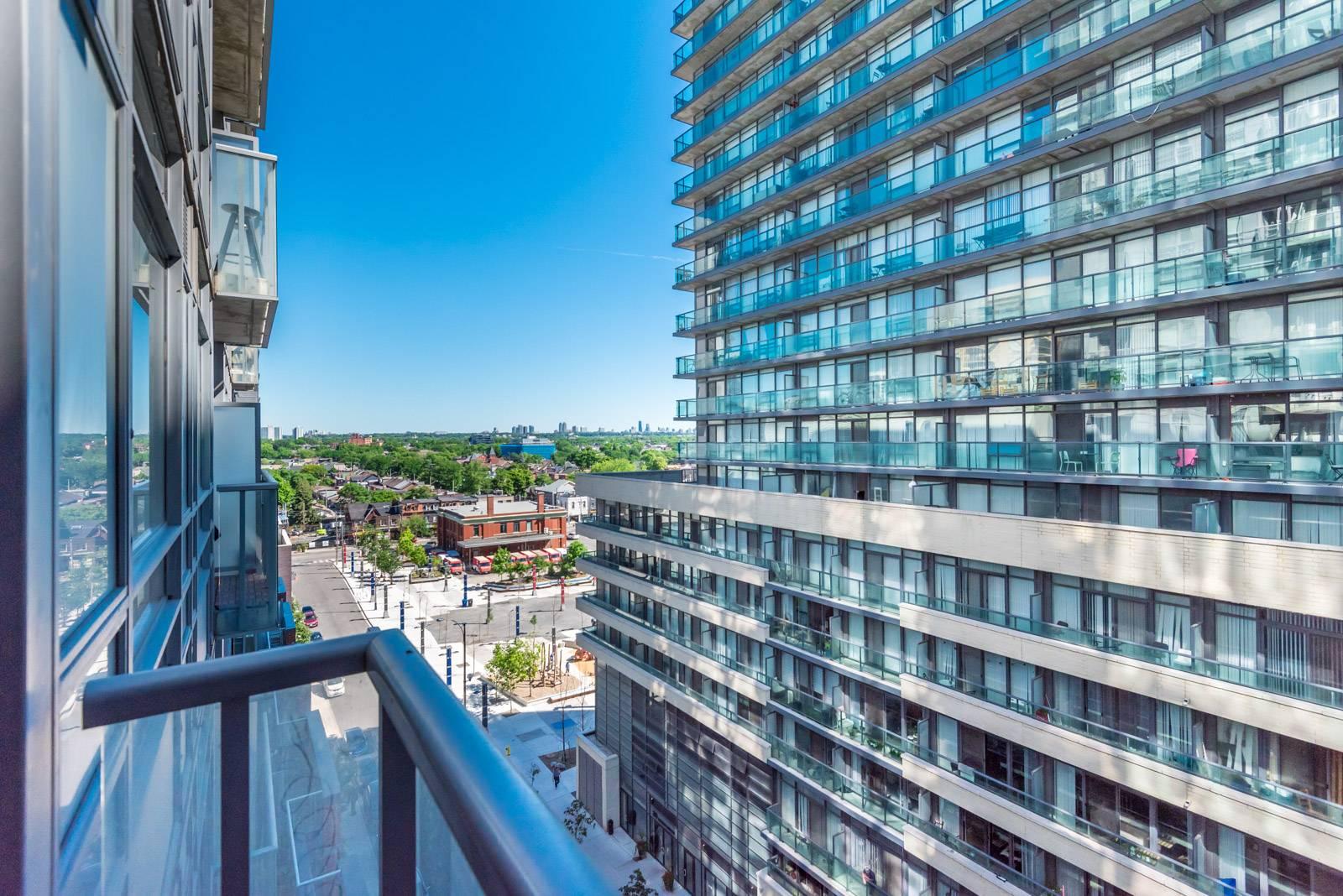 Photo of 150 Sudbury Street and its balcony.