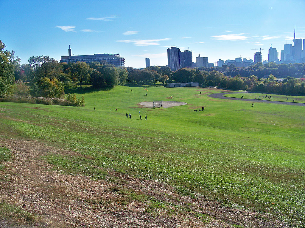 Pic of Riverdale Park West and playground.
