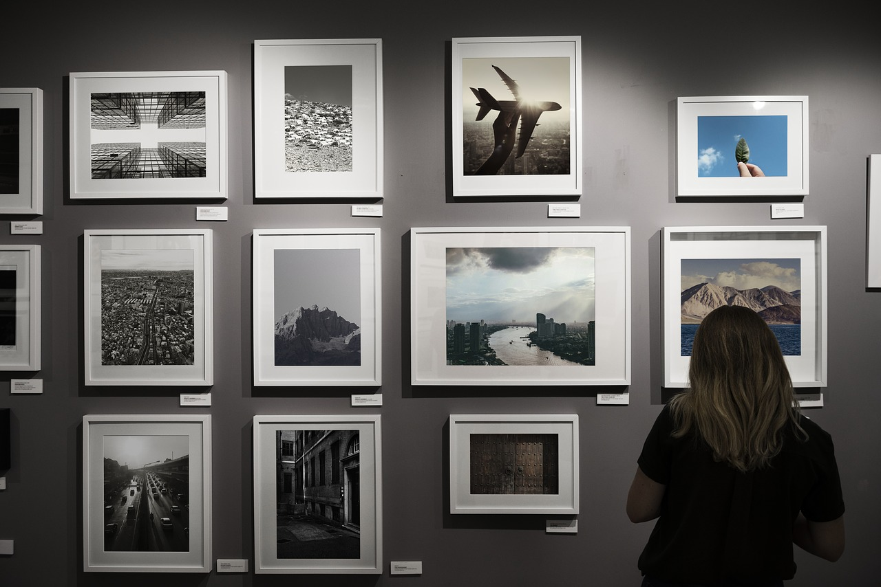 Image of art gallery and photos