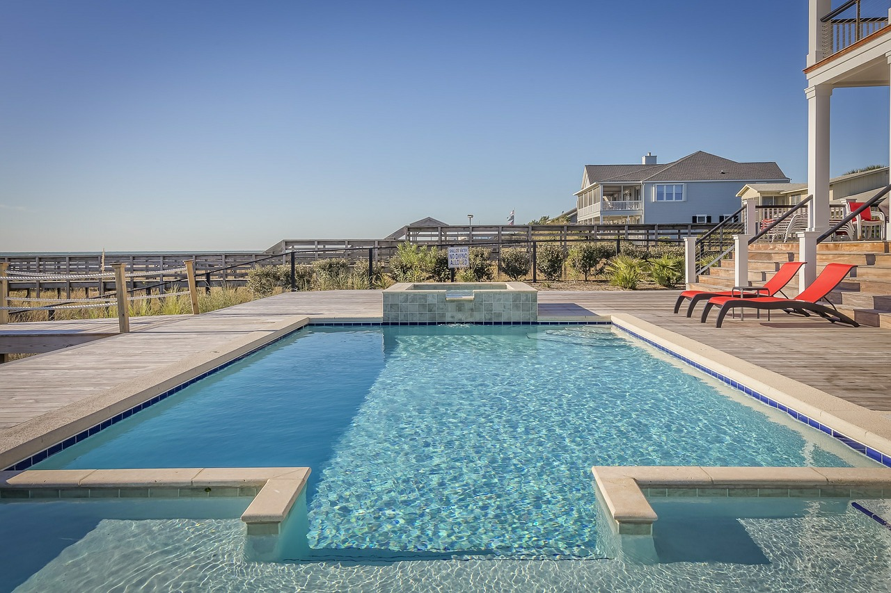 Outdoor swimming pool - custom home
