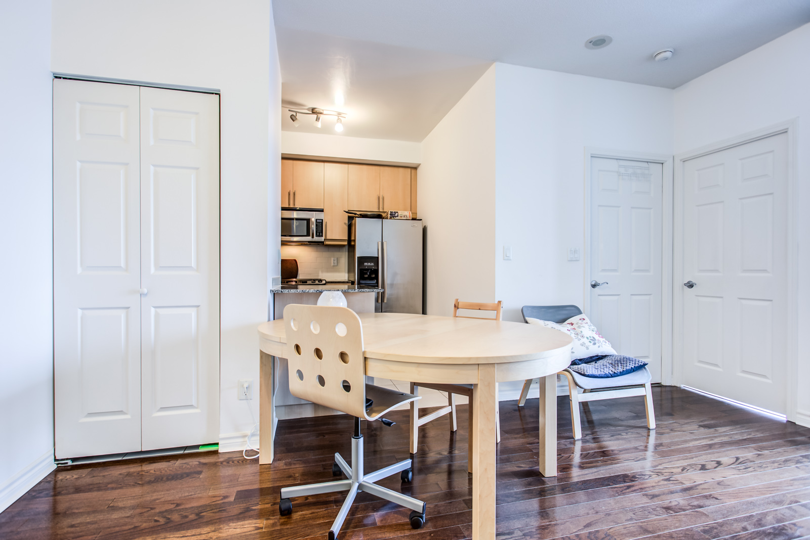 Photo of kitchen and dining room