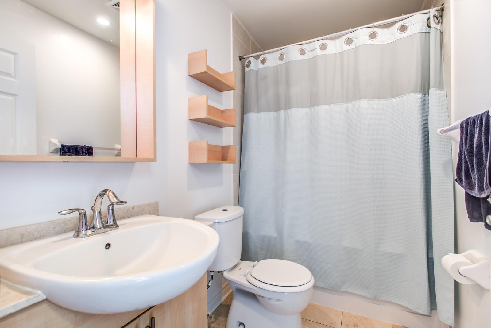 Unit 901 bathroom looking so beautiful and elegant.