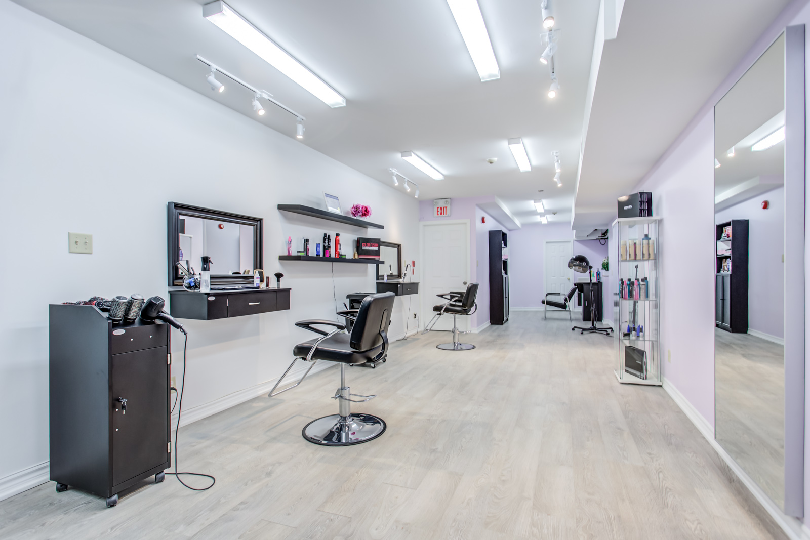 Photo of hair salon inside with everything ready for business.