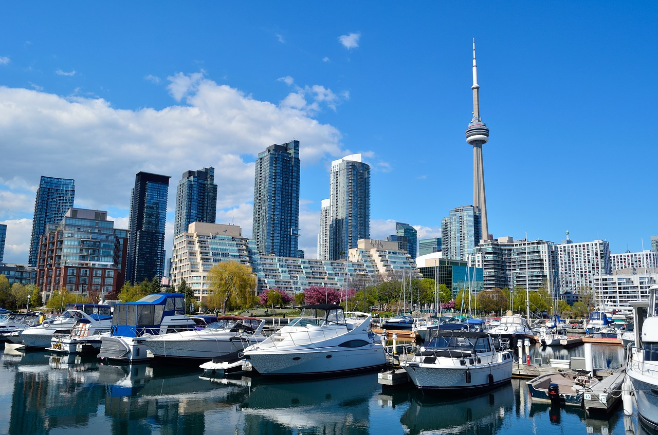 Photo of Toronto Waterfront and boats.