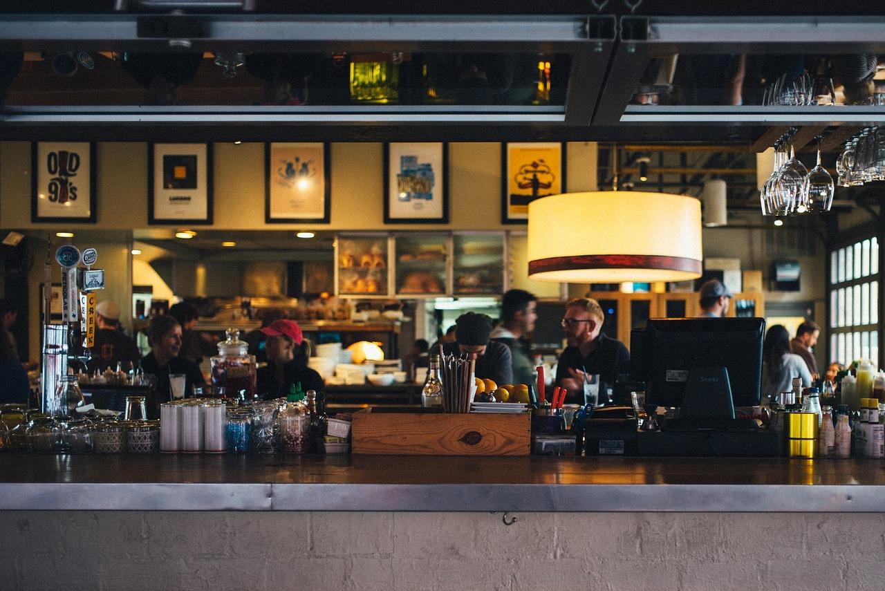Image of bar and restaurant in Yorkville / Church-Yonge Corridor.
