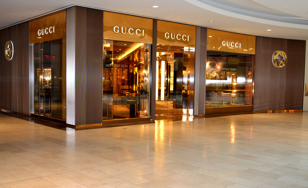 Gucci storefront on Yonge and Bloor.