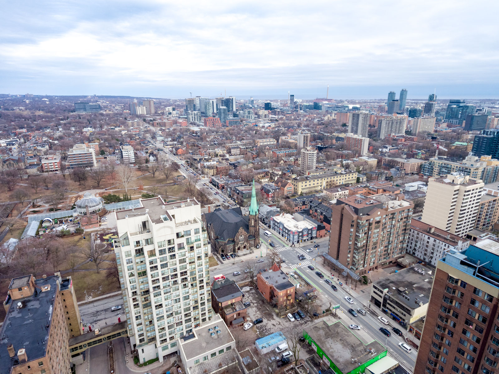 Aerial photo of 120 McGill St, parks and buildings.